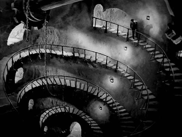 La+Torre+de+los+Siete+Jorobados+Edgar+Neville+España+1944+-+0051